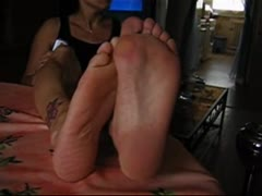 Lick my feet loser
