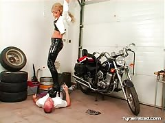 Dominating the male rider