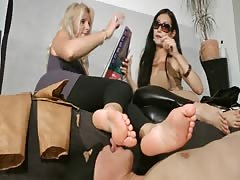 Need to worship their boots and feet